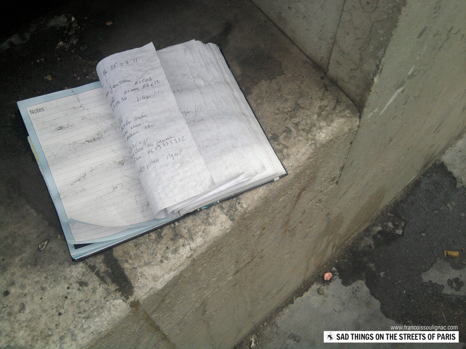Sad things on the Streets of Paris, Agenda cahier de texte perdu abandonné