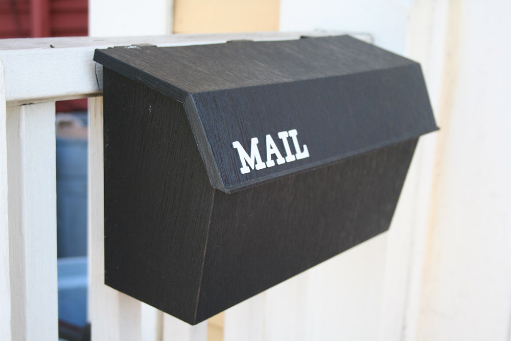 Salem Street - Elements and Specifics Details - Mail box