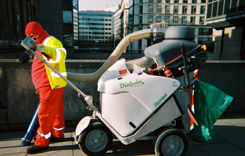 Francois Soulignac - London Streets, Garbage collector, binman, dustman machine
