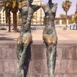 Francois Soulignac - Barcelona Couple statues sitting in the marina