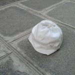 Sad things on the Streets of Paris, Petit chapeau d'enfant perdu