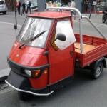 Paris Streets | Petite voiture utilitaire Agip rouge vintage