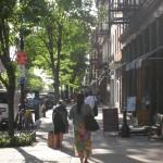New-York Architecture, Manhattan Wooman walking on the street