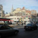 New-York Architecture, Manhattan, 8 AV et W 23 ST, Crosswalk, People, Car, Building, Road